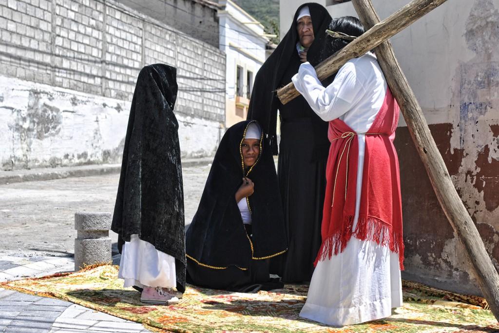maria, magdalena, cruz, Jesus, procesión, via crucis, tumbabiro, imbabura, ecuador