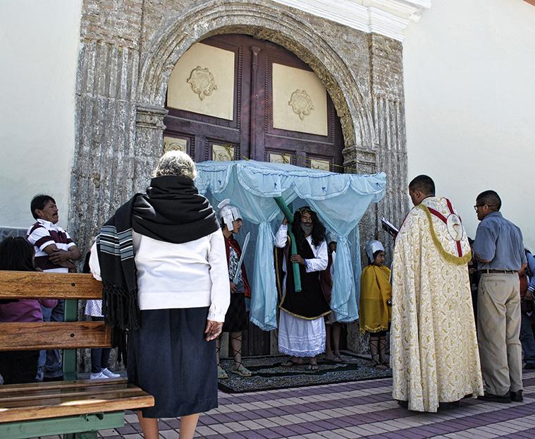 pueblo, cruz, Jesus, procesión, via crucis, tumbabiro, imbabura, ecuador