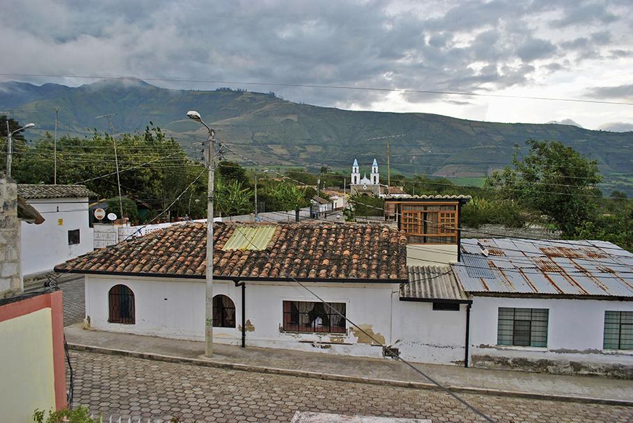 Ecuador, Imbabura, Tumbabiro, pueblo, calles, antiguo, casa