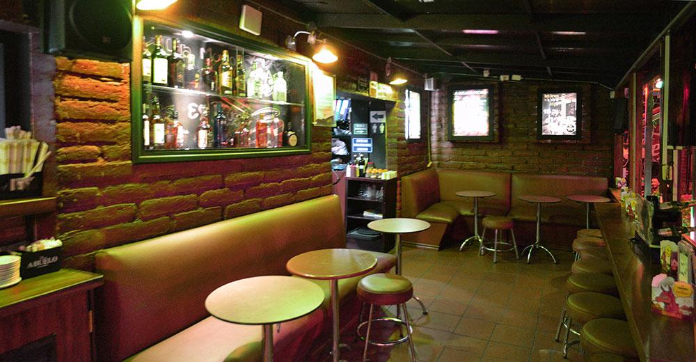Diseño interior Coffee Bar, reciclado, arte urbano