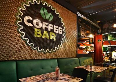 Diseño interior Coffee Bar, reciclado, tillos, tapas