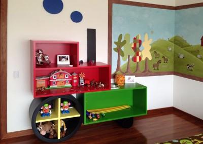 Cuarto de niño, mueble para juguetes, tren