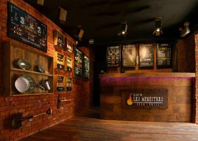 Restaurante, El Rey de las Menestras, diseño interior, diseño de interiores, comercial, Quito, Ecuador, diseño, gráfico, interiores, exteriores, mobiliario, lámparas, madera, tablones, pizarras, industrial, granja, counter